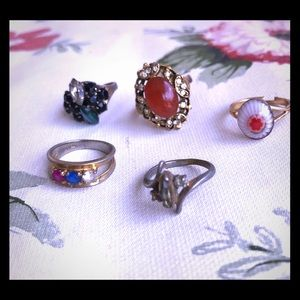Lot of vintage rings